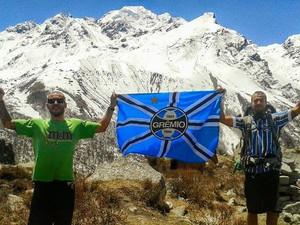 Rafael Freitas viajou ao Nepal com os amigos Gabriel e Fabiano (Foto: Arquivo pessoal)