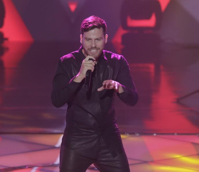 Gabriel Correa cantou 'Você merece cachê' (Foto: Artur Meninea/Gshow)