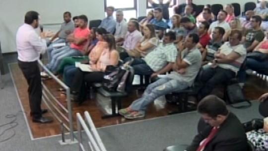 Câmara realiza curso para parlamentares em Divinópolis