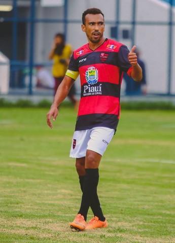 Eduardo, atacante  (Foto: Wilson Filho )