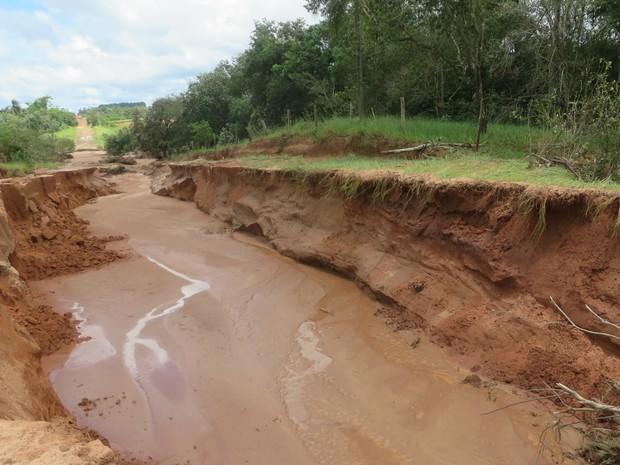 Linha Caraguatá após chuvas em Jateí MS (Foto: Valmir Tomaz de Matos/Prefeitura de Jateí)
