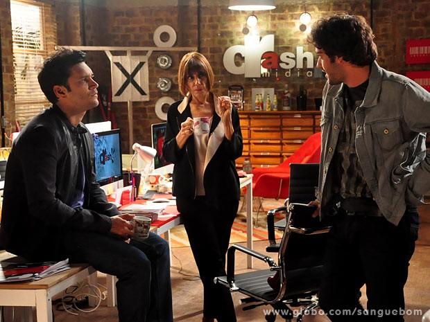Érico conversa com os dois novos sócios (Foto: Jacson Vogel / TV Globo)