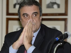 O ministro da Justiça, José Eduardo Cardozo, em entrevista nesta quarta (16) (Foto: Agência Brasil)