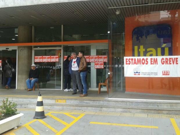 Justiça do Trabalho determina volta do expediente bancário em MS