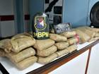 PM apreende mais de 27 kg de drogas em barco no porto de Tefé, no AM