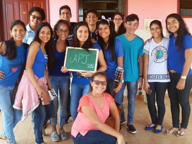 Projeto Envelhecer arrecada presentes de natal para idosos em Guajará, RO (Foto: Caroline Lopes/Arquivo pessoal )