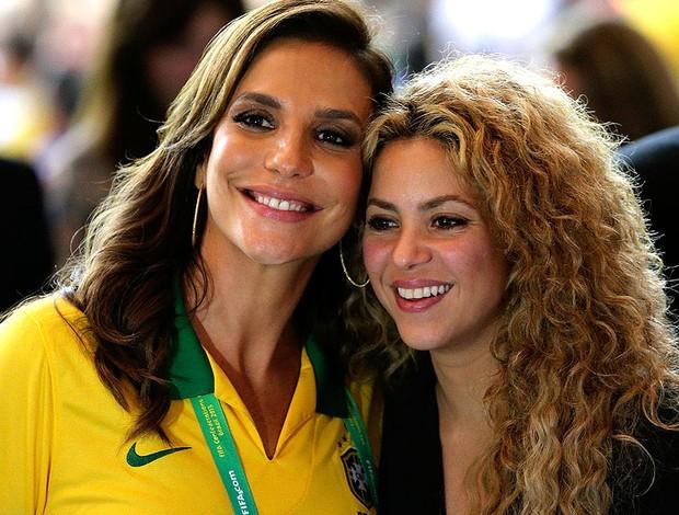Shakira ao lado de Ivete sangalo maracanã copa das confederações (Foto: Agência Reuters)