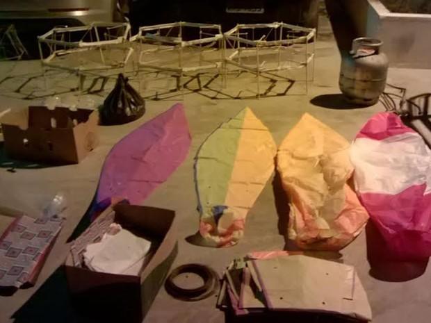 Duas pessoas foram detidas em operação para combater a fabricação, transporte e soltura de balões. (Foto: Divulgação / Polícia Militar)