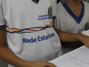 Resultado de imagem para farda da rede estadual de ensino de pernambuco