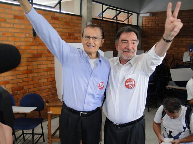 Aloísio Vasconcelos e Patrus Ananias, na PUC Minas, em Belo Horizonte (Foto: Alex Araújo/G1)