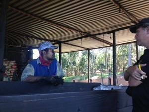 São Paulo trabalho escravo operação carvoaria (Foto: Thiago Reis/G1)