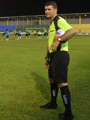 Estádio da Graça, sem marcação, Santa Cruz-PB x Treze, João Bosco Sátiro (Foto: Hévilla Wanderley / GloboEsporte.com/pb)