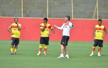 Elenco do Vitória se reapresenta com papo com Mancini e treino com bola