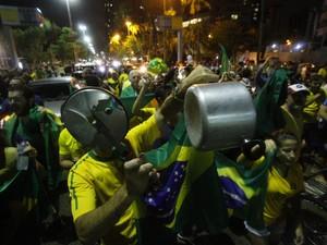 Protesto contra a nomeação de ex- presidente Lula como Ministro da Casa Civil ocupa a Avenida Boa Viagem, no Recife (Foto: Bobby Fabisak/JC Imagem/Estadão Conteúdo)