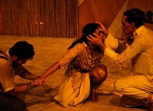 Manoel ganha vida através de Guga Almeida nos palcos (Foto: Divulgação)