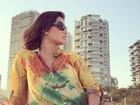 Grávida, Deborah Secco posa para marido e compartilha foto na web