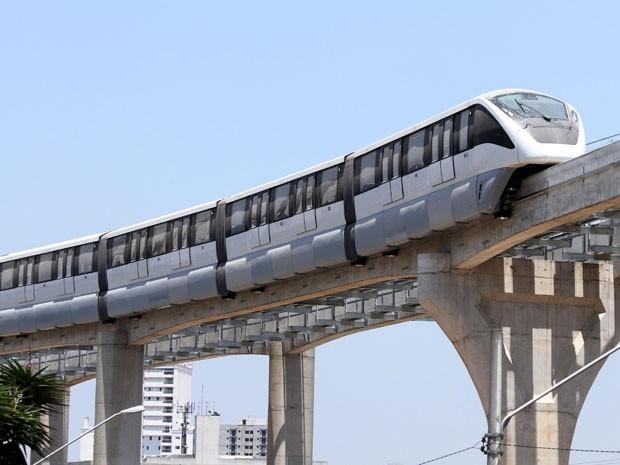 Metrô realizou testes nesta sexta no trecho localizado na Avenida Professor Luiz Ignácio de Anhaia Melo (Foto: Cristiano Novais/CPN/Estadão Conteúdo)