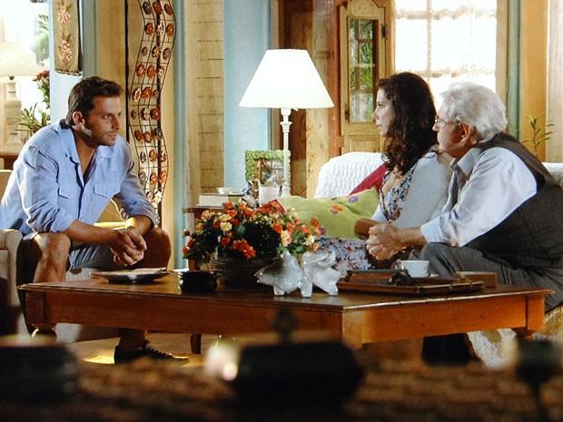 Cassiano busca a verdade com Samuel e Lindaura (Foto: Flor do Caribe / TV Globo)