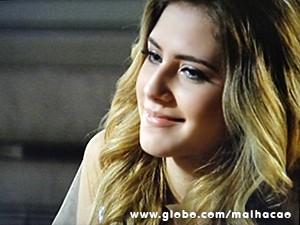 Sofia acaba baixando a guarda e aceita as desculpas de Ben (Foto: Malhação / TV Globo)