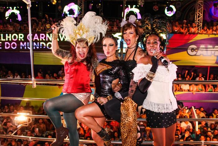Claudia Leitte canta com As Frenéticas (Foto: Robson Senne/Ag.FPontes/Divulgação)