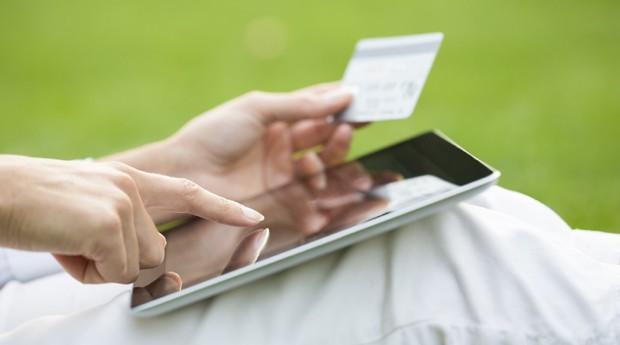 computador, vendas, e-commerce, comércio eletrônico, tablet, cartão de crédito,  (Foto: ThinkStock)
