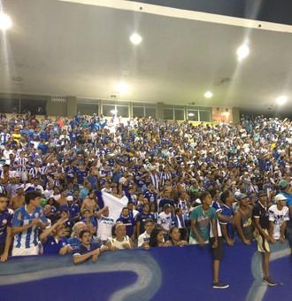 Torcida CSA (Foto: Viviane Leão/GloboEsporte.com)