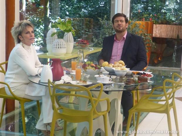 Bruno Astuto faz surpresa para Ana Maria Braga: filhos dão depoimento (Foto: Mais Você / TV Globo)