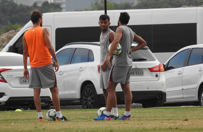Gustavo Scarpa Treino Fluminense (Foto: Hector Werlang/GloboEsporte.com)