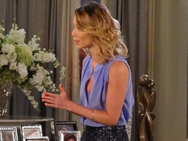 Juliana quer perdão de Roberta (Foto: Guerra dos Sexos / TV Globo)