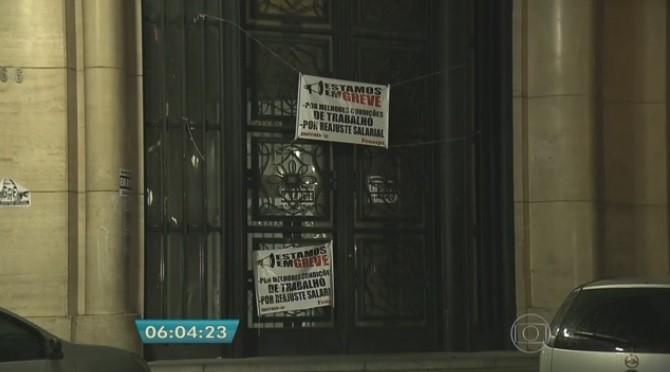 Prédio INSS ocupado em SP (Foto: Reprodução/TV Globo)
