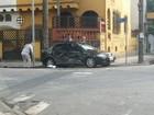 Colisão entre carro e ônibus deixa três pessoas feridas em Santos, SP