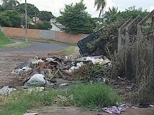 ecoponto lixo Uberaba (Foto: Reprodução/TV Integração)