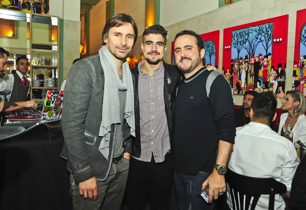Murilo Rosa e Caio Castro com Isaac Azar (Foto: João Passos / Divulgação)