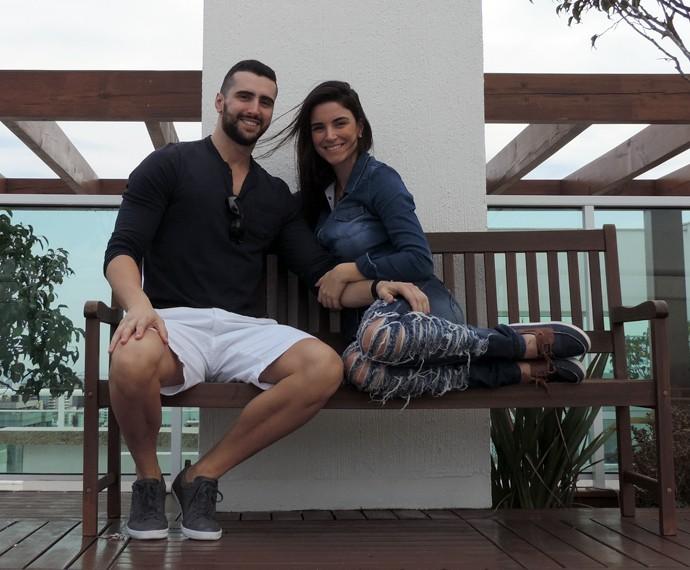 Laisa não esconde a felicidade ao lado do namorado Douglas Moro (Foto: Arquivo Pessoal)