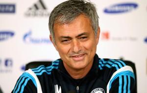Mourinho Sorrindo Chelsea (Foto: Getty)