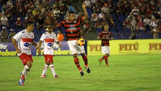 Campinense 1 x 0 CRB, no Estádio Amigão (3ª rodada da Copa do Nordeste) (Foto: Magnus Menezes / Jornal da Paraíba)