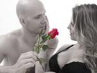 De barrigão, Sheila Mello posta foto romântica ao lado de Xuxa