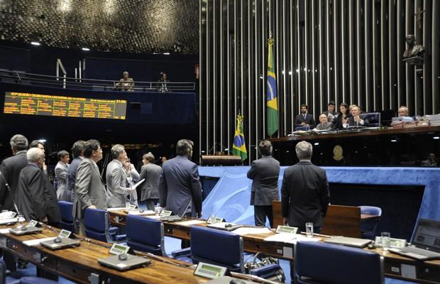 Senadores no plenário durante a votação da minirreforma eleitoral (Foto: Moreira Mariz / Agência Senado)