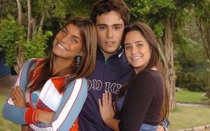 O triângulo amoroso com Bernardo (Thiago Rodrigues), Betina (Fernanda Vasconcellos) e Jaque (Joana Balaguer)