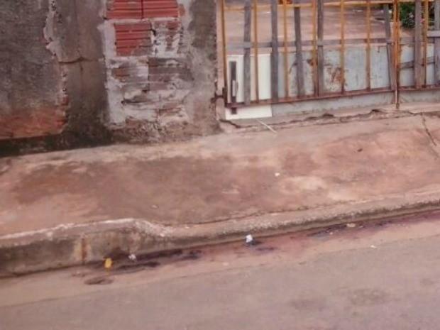 Local em que menino foi baleado (Foto: Laureane Schimidt / TV Morena)