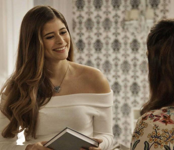 Cris contrata Shirlei para trabalhar no apartamento do irmão, Felipe (Foto: TV Globo)