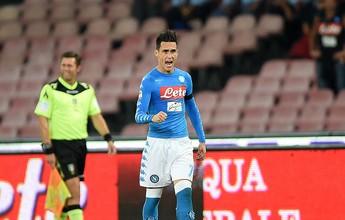 Milan luta muito, mas termina com dois expulsos e é derrotado pelo Napoli