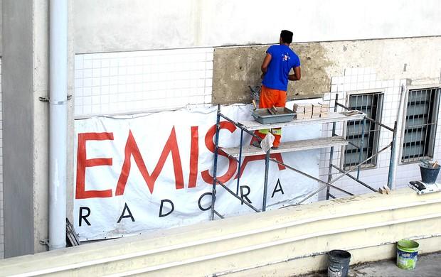 manutenção estádio Engenhão (Foto: Fabio Leme)