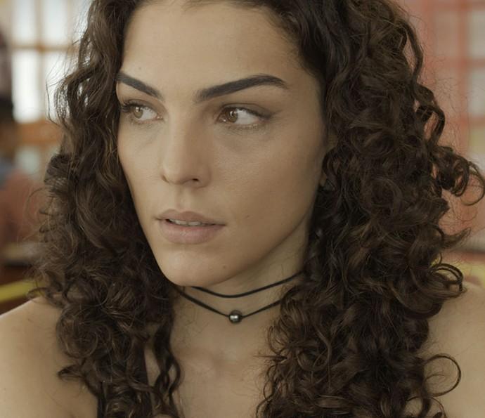 Ciça fica tensa com a presença de Samurai (Foto: TV Globo)
