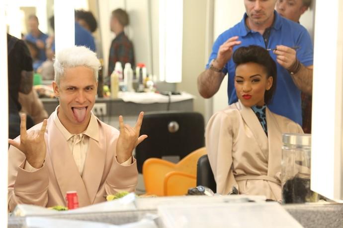 Rainer e Camila Lobo só na careta na maquiagem (Foto: Carol Caminha/Gshow)