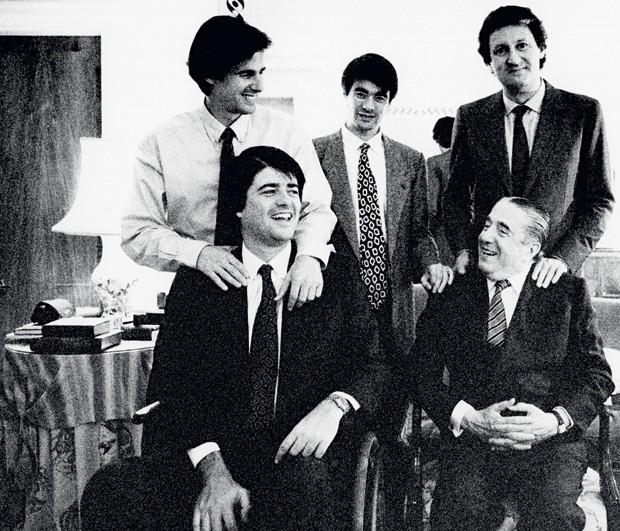 Walther Moreira Salles e os quatro filhos: Walter Jr., João, Fernando e Pedro (Foto: Acervo Walther Moreira Salles/IMS)