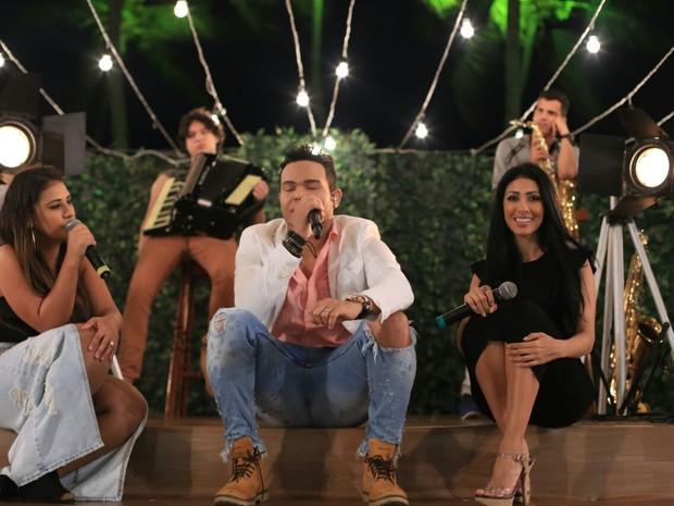Tierry com Simone e Simaria em gravação de DVD em Salvador, na Bahia (Foto: Sercio Freitas/ Divulgação)