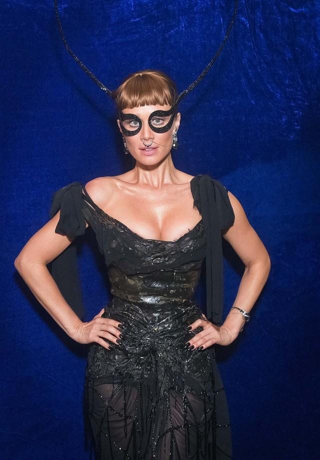 O look de Mariana Ximenes para o Baile da Vogue 2017 (Foto: Lu Prezia)