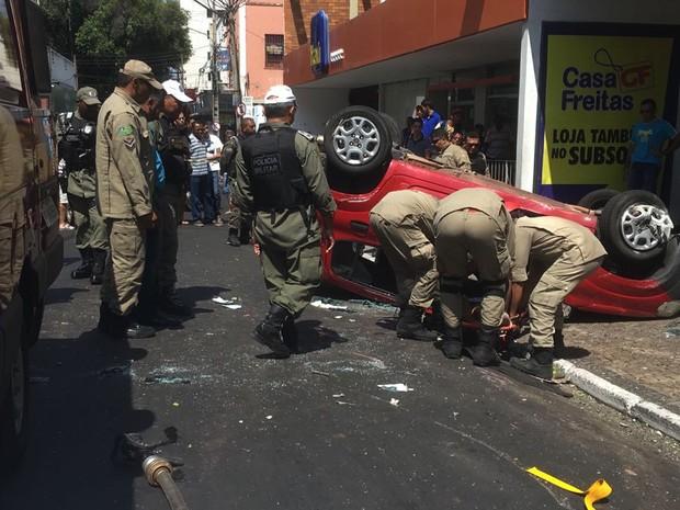Acidente foi em cruzamento do Centro de Teresina (Foto: Aniele Brandão/ Tv Clube)