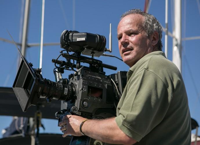 O diretor de núcleo Jayme Monjardim mostra o bom humor e coloca a mão na massa nas primeiras gravações de Sete Vidas (Foto: Inácio Moraes/Gshow)